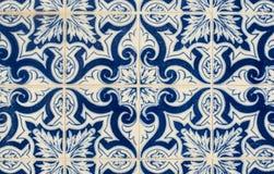 Den glasade traditionella portugisen belägger med tegel Arkivfoto