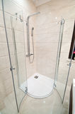 Modern duschbilaga royaltyfria bilder