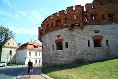 Den gotiska Wawel slotten i Krakow i Polen byggdes från 1333 till 1370 Arkivfoton