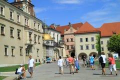 Den gotiska Wawel slotten i Krakow Polen Royaltyfria Foton