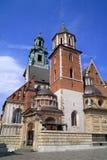 Den gotiska Wawel slotten och catedral i Krakow Polen Royaltyfri Foto