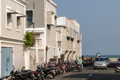 Den Goubert aven i den Pondicherry, strandvägen och promenad sätter på land i bakgrund, Pondicherry, Indien Royaltyfri Bild