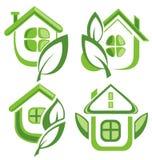 Uppsättning av den gröna ecohussymbolen Arkivbild