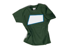 Isolerad grön t-skjorta Arkivbild