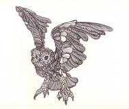 Den grafiska ugglan målade handtaget vid pennan med härliga vingar i flykten Arkivbild