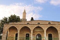 Den Grans mosk?n Djami Kebir, som den kallas i Larnaca, Cypern royaltyfri foto