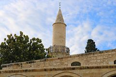 Den Grans mosk?n Djami Kebir, som den kallas i Larnaca, Cypern royaltyfria bilder