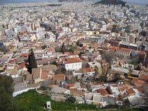 Den Grecian staden som beskådas från över arkivfoto