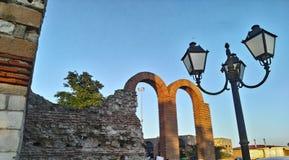 Den groteska templet fördärvar Bulgarien Royaltyfria Bilder