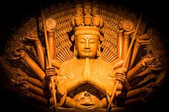 Den Guanyin Buddhapagoden är tusen händer Arkivbilder