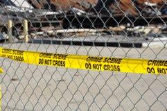 Den gula brottsplatsen korsar inte bandet arkivfoto