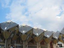 Den gula kuben inhyser Rotterdam Nederländerna Arkivbild