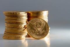 Den guld- amerikanen myntar Arkivfoton