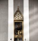 Den guld- bilden av Buddha Royaltyfri Fotografi