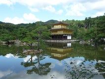 Den guld- paviljongen Arkivbilder