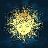Den guld- solen med framsidan av gulligt lockigt le behandla som ett barn pojken över bakgrund för blå himmel Hand dragen klister vektor illustrationer