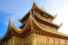 Den guld- templet av det Emeishan maximumet. Royaltyfri Foto