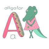Den gulliga alligatorn med stängda ögon i rosa färger klär Royaltyfri Bild