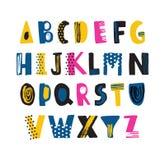 Den gulliga barnsliga latinska stilsorten eller det skraj engelska alfabetet dekorerade med prickar och klottrar Färgrika texture vektor illustrationer