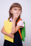 Den gulliga flickan rymmer boken Arkivbild