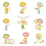 Den gulliga pojken i overaller och gummistöveler som kopplades in i jordbruksdrift, ställde in, den unga bonden Cartoon Character stock illustrationer