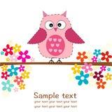 Den gulliga ugglan med blommor behandla som ett barn kortet för flickaduschhälsningen Arkivbilder