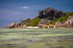 Den härliga Anse källD'Argent stranden Royaltyfria Foton