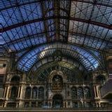 Den härliga arkitekturen av den Antwerpen drevstationen Royaltyfria Foton