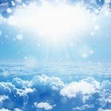 den härliga blåa ljusa clearen clouds för skysun för himmel ljus white royaltyfri fotografi
