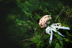 Den härliga brölloprosa färgen blommar buketten Royaltyfri Fotografi