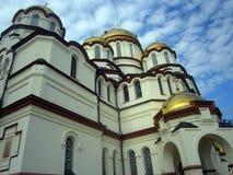 Den härliga domkyrkan i Abchazien Arkivbild