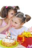 den härliga födelsedagen firar flickan little royaltyfria foton