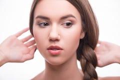 Den härliga flickan uttrycker olika sinnesrörelser Royaltyfri Bild