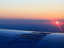 Den härliga flyg- soluppgången beskådar Arkivfoto