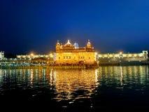 Den härliga guld- templet amritsar royaltyfria foton