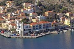 Den härliga hamnen av Simi Royaltyfri Bild
