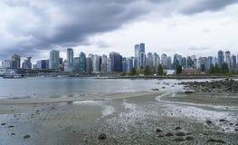 Den härliga horisonten av Vancouver - VANCOUVER - KANADA - APRIL 12, 2017 Arkivbilder
