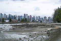 Den härliga horisonten av Vancouver - VANCOUVER - KANADA - APRIL 12, 2017 Arkivfoto