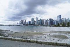 Den härliga horisonten av Vancouver - VANCOUVER - KANADA - APRIL 12, 2017 Royaltyfri Bild
