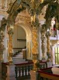 den härliga interioren like slotten Arkivfoton
