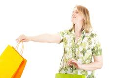 Den härliga kvinnan på shopping turnerar Arkivbilder
