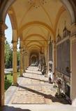 Den härliga Mirogoj kyrkogården på den soliga dagen Arkivfoton