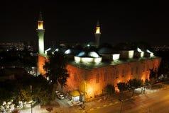 Den härliga Ulu Camii (storslagen moské av Bursa) på nightime i Bursa i Turkiet royaltyfri fotografi