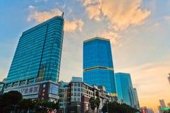 Den höga byggnaden i Guangzhou Kina Royaltyfria Bilder