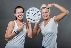 den höga klockan 3d framför upplösningstid Fotografering för Bildbyråer