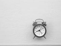 den höga klockan 3d framför upplösningstid Arkivfoton