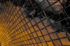 Den h?rliga closeupen texturerar abstrakta tegelplattor och svart gul f?r f?rgexponeringsglasmodell f?r v?gg bakgrund f?r guld oc arkivfoto