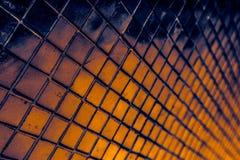 Den h?rliga closeupen texturerar abstrakta tegelplattor och svart gul f?r f?rgexponeringsglasmodell f?r v?gg bakgrund f?r guld oc arkivfoton