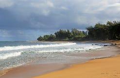 Den Ha'ena stranden parkerar, Kauai, Hawaii Royaltyfri Fotografi