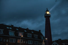 DEN HAAG, DIE NIEDERLANDE - 18. OKTOBER: Hoge vuurtoren van IJmuiden Lighthouse IJmuiden, Den Haag, die Niederlande Stockbilder